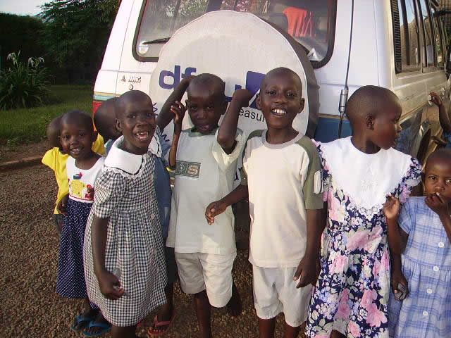Eight EWCV Children by a Van