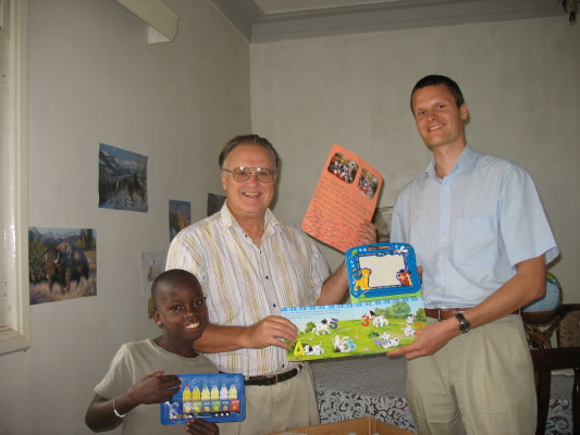 Ulrich Presenting Bill and EWCV Boy Toys from a Kindergarten class in Germany