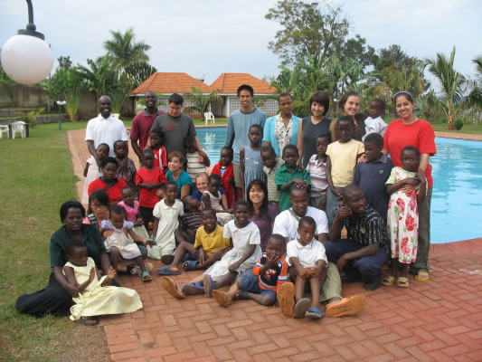 Group Photo of Everyone from EWCV beside the Pool