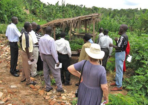 Fourteen EWCV Staff Member on Farm Tour Inservice