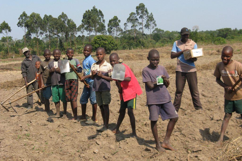 39  Children  Planting 2