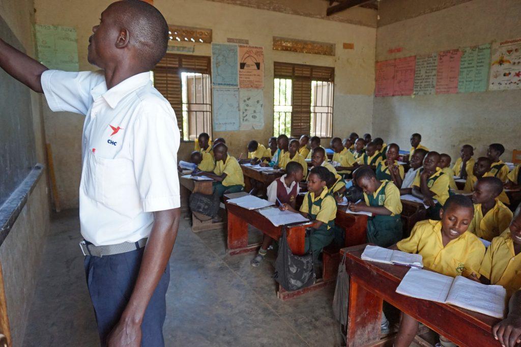 84  P4  Teacher  Teaching  DS C05924