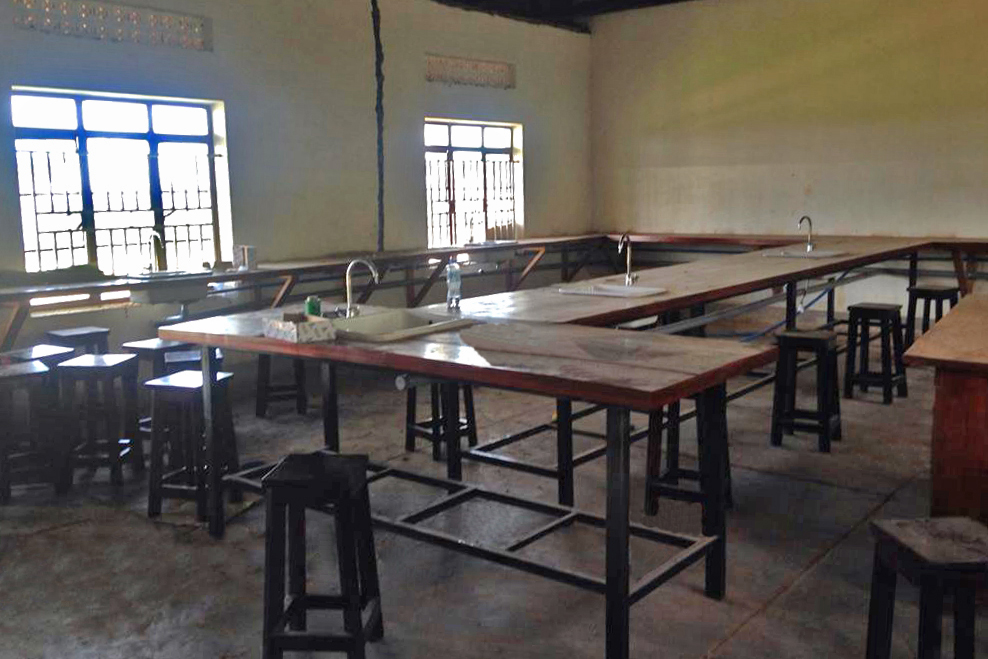 Science  Lab  E4x6